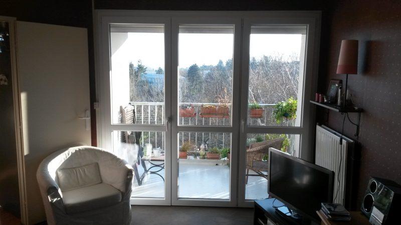 Fenêtre Pvc Avec Volet Roulant Coffre Extérieur Les Ouvertures